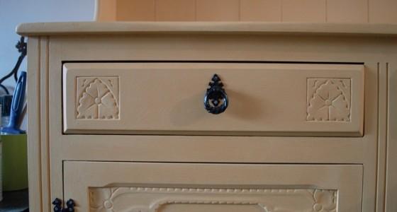 Annie Sloan Dresser 02