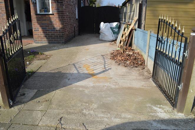 power wash driveway 01