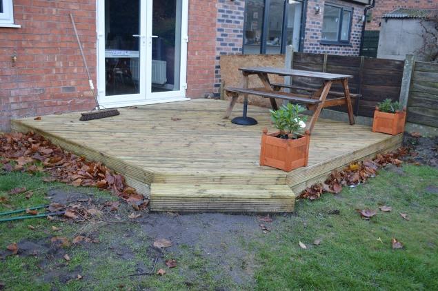 garden decking 16