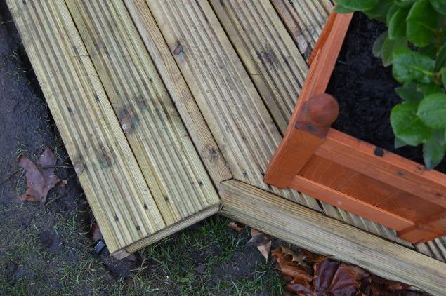 garden decking 19
