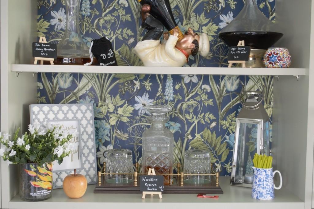 Wallpaper kitchen shelves 08