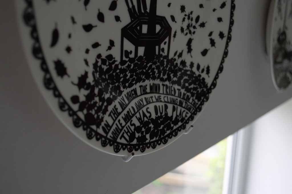 Rob Ryan hanging plates 04