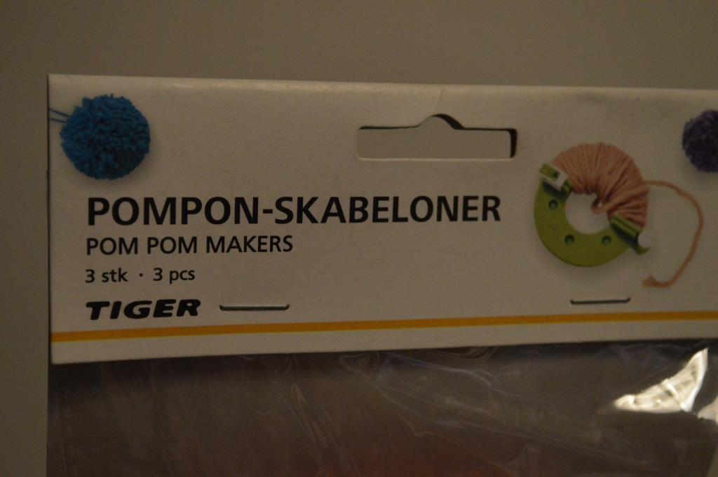 pom pom maker 01